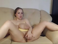 Big pussy lips girls
